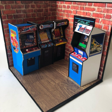 Miniature Arcade Display  Stand Diorama